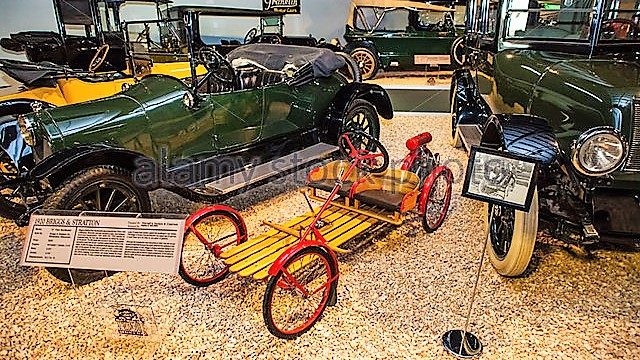 1920-briggs-and-stratton-d-flyer-buckboard-at-the-national-automobile-d72bt5