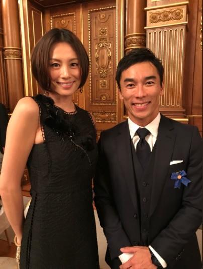 Sato with model Ryoko Yonekura